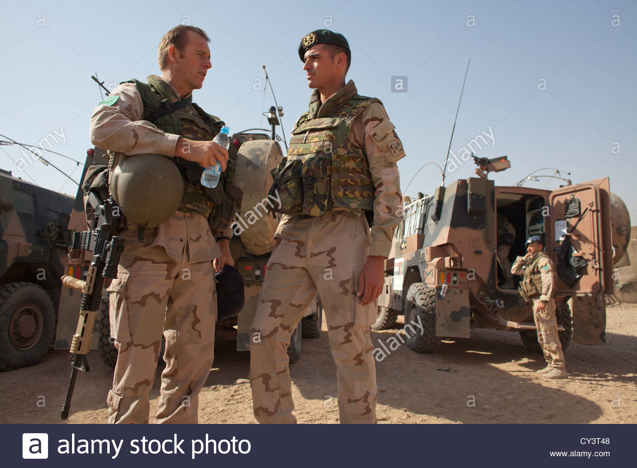 dutch-military-in-kunduz-province-afghanistan-colonel-de-jong-left-CY3T48